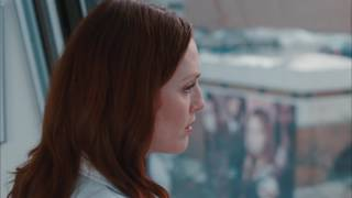 "Amanda Seyfried kissing in ""Chloe"" (Catherine & Chloe)"
