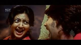 Prajwal & Aindrita fighting infront of Kidnapers | Kannada Comedy Scenes | Meravanige New Movie