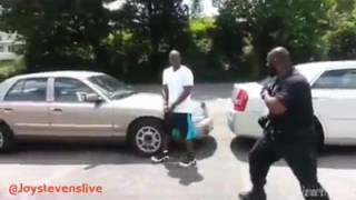 Preso chama policial pra briga