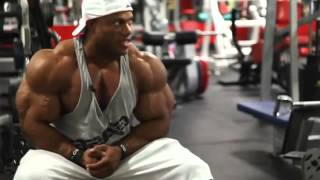 Phil Heath   Training for chest and arms