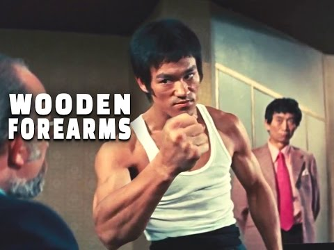 BRUCE LEE FOREARMS AND PUSHUPS