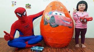 Bóc Trứng Ô Tô McQueen Khổng Lồ,  GIANT Surprise Lightning McQueen EGG Opening Disney Cars Toys