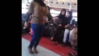 رقص  أجمل بنت  على المركب