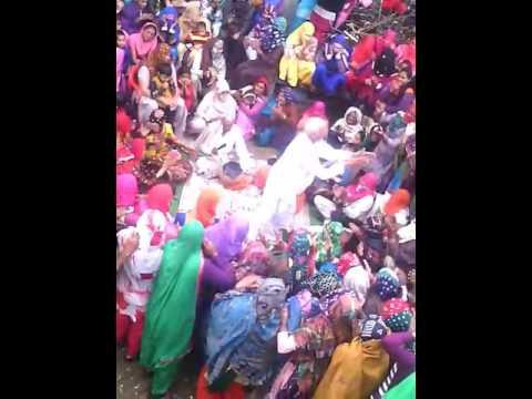 Desi danse in baroda village jija vs sali(7)