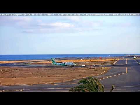 757 ACE Lanzarote causing a water disturbance.