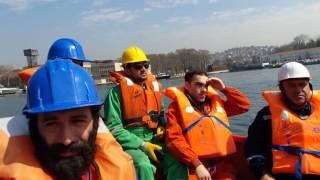 Beyaz Erguvan Denizcilik Filika da dümen tutma