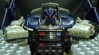 The Last Knight Deluxe BARRICADE: EmGo