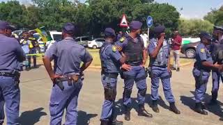 Boers and EFF stand off - Hoerskool Overvaal