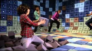 Chromeo - Fancy Footwork step up 3D
