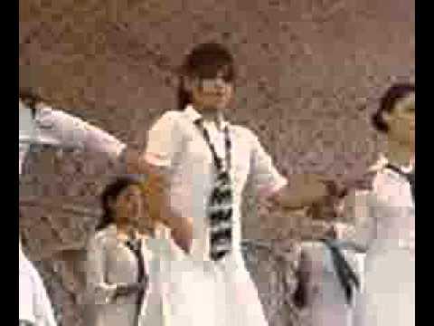 Pakistani school girls dance