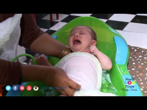 How to Give your Newborn a Bath- Demonstration by top NY Baby Care Expert