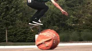 Skateology: backside flip (1000 fps slow motion)