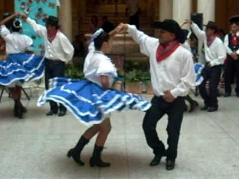 Bailes de Mi Tierra Gallinitas y Jesusita en Chihuahua