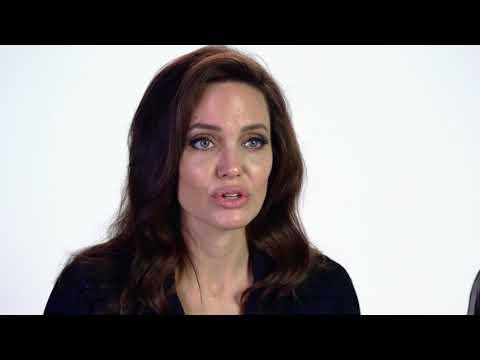 Xxx Mp4 Angelina Jolie And Loung Ung — Awards Season Spotlight 3gp Sex