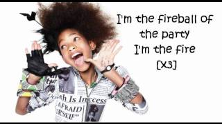 Willow Smith Feat. Nicki Minaj - Fireball (LYRICS ON SCREEN)