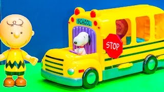 PEANUTS MOVIE Snoopy School Bus Charlie Brown Video Unboxing Toy Video