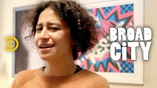 Broad City Set Tour: Ilana Glazer Shows Off Her Character's All-Activist Apartment