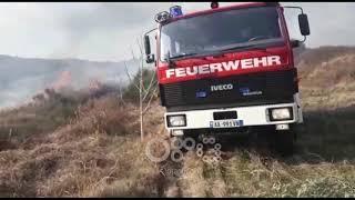 Ora News – Zjarr në një zonë me shkurre në Patos, rrezikohen puset e naftës