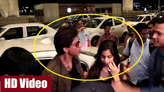 Shahrukh Khan with daughter Suhana at Mumbai Airport leaving for Europe.