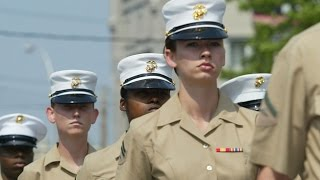 Nude Photos Of Female Marines Posted Online