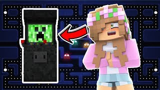 LITTLE KELLY GETS TRAPPED IN AN ARCADE GAME! Minecraft Little Kelly