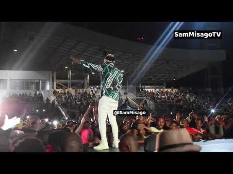 Xxx Mp4 MBOSSO Alivyoonyesha UHODARI Wake Kwenye Jukwaa La WASAFI FESTIVAL Zanzibar 3gp Sex