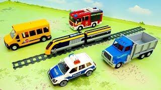 Пожарная машина Поезд Самосвал Полицейские машинки - видео для детей - fire truck train police toys