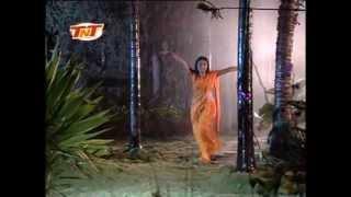 Aag Lago Bajjar-Bhojpuri Hot Sexy Girl Rain Dance Video Song By Sapna Avasti From Bigad Gail Nirhua