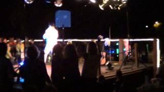 Elvis sings Neil Diamond