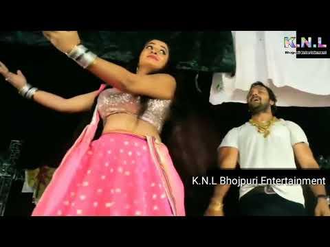 Xxx Mp4 खेसारी लाल ने ऋतु सिंह को ये क्या कर दिए स्टेज पे पब्लिक हो गयी दंग Khesari Lal With Ritu Singh Show 3gp Sex