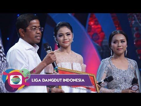 Penghargaan dari Mensos Bpk Idrus Marham untuk Rara dan Selfi Sebagai Anak PKH Berprestasi