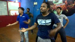 Sarainodu title song dance practice
