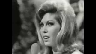 NANCY SINATRA 1966 - These boots are made for walkin