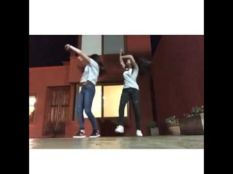 Karol Sevilla dançando