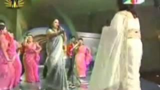 Runa Laila VS Sabina Yasmin - YouTube