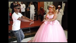 Lil Kesh storms in Like a Bad Guy,Sings for Kemi Afolabi As They Dance Shaku Shaku At Her Birthday