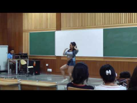 Outstanding Dance Performance at IIT Delhi || It's Hot