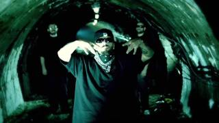 B.U.G. Mafia - Cu Talpile Arse (feat. Jasmine) (Prod. Tata Vlad) (Videoclip)