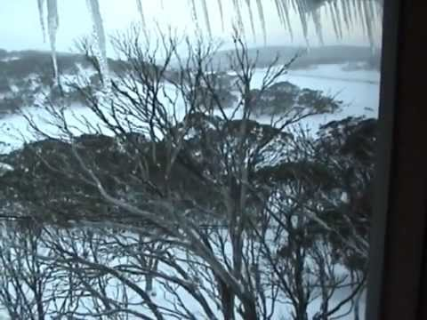 Jindabyne to Perisher (Via the Skitube) - Retro Footage 2005