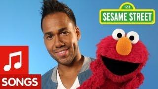 """Sesame Street: Romeo Santos and Elmo sing """"Quiero Ser Tu Amigo"""""""