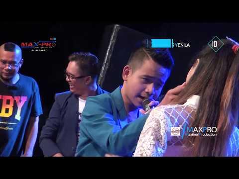 Dinding Kaca - Rahma feat. Harnawa