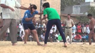 00210 Badshahpur Dangal 2016 Girl wrestlers Nishu vs deepika