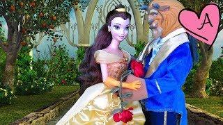 La Bella y la Bestia - Cuentos en español con muñecas y juguetes Disney y Barbie para niños