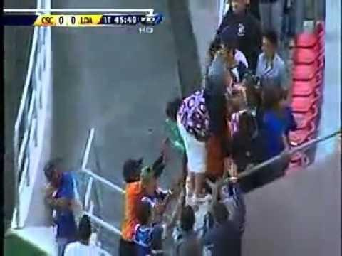 Violencia en Estadio Nacional de Costa Rica