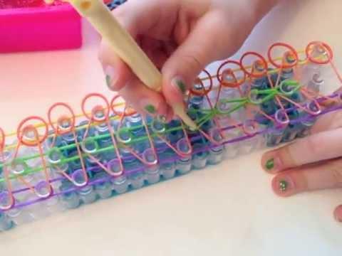 Как связать браслеты из резинок на станке