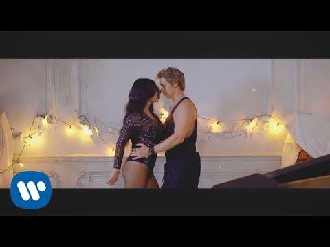 Xxx Mp4 Carlos Baute Feat Maite Perroni Amp Juhn ¿Quién Es Ese Videoclip Oficial 3gp Sex