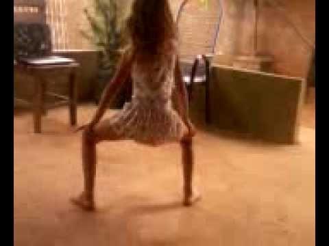 Andressa dançando quadradinho de 8