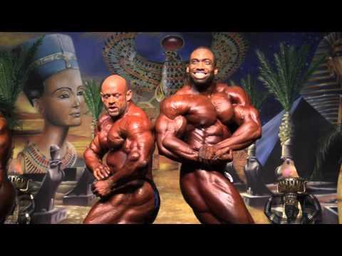 Atlantic City Europa IFBB Men s Bodybuilding Finals Pose Down