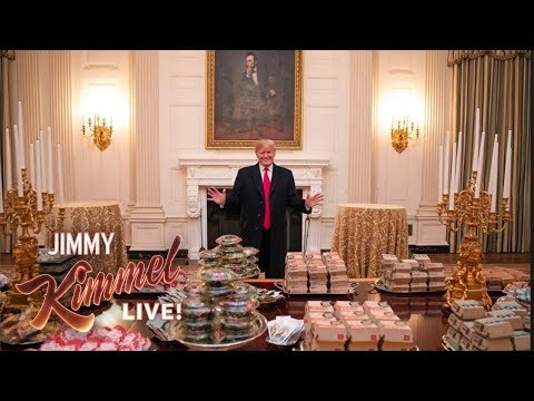 """Trump Eats """"Hamberders"""" While Government Remains Shut Down"""