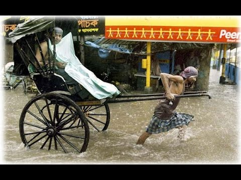 A water rickshaw in Digital Dhaka|| First Water Riksha|| Water Road!!
